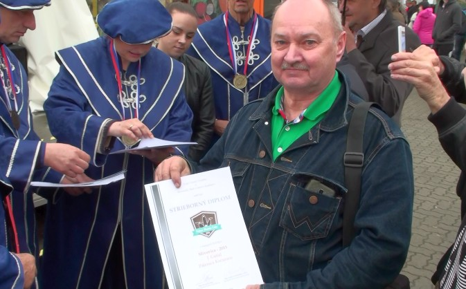 Jaroslav Gatial so strieborným diplomom za slivovicu.