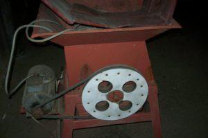 struhac-repy-motor
